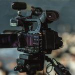 Affaiblir les médias en révélant au public leurs techniques de désinformation